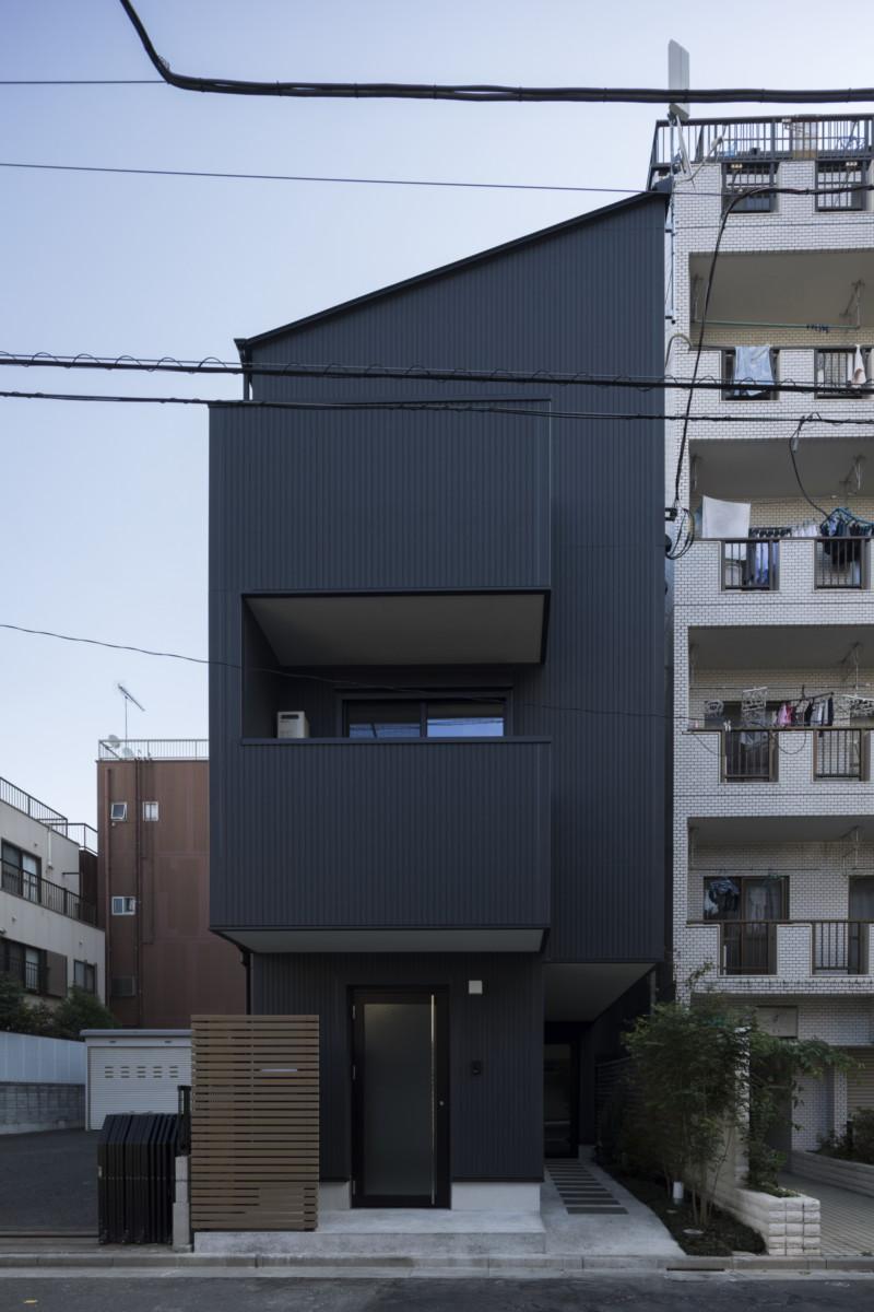 台東区浅草に建つ alphaM イメージ